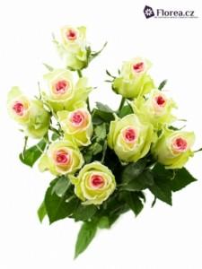 Bílá růže - kytice růží se srdíčkem