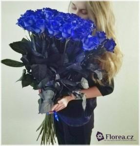 Modré růže - kytice